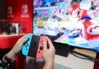 nintendo_switch_preview_event_joy_con_grip_1920.0