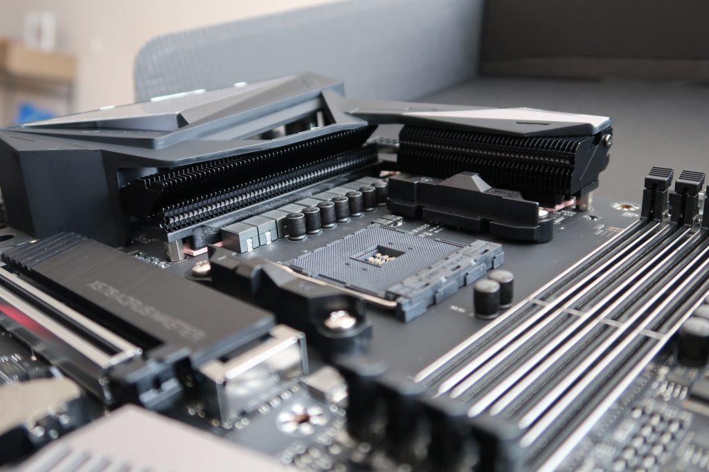 Gigabyte X570 AORUS MASTER VRAM Cooling